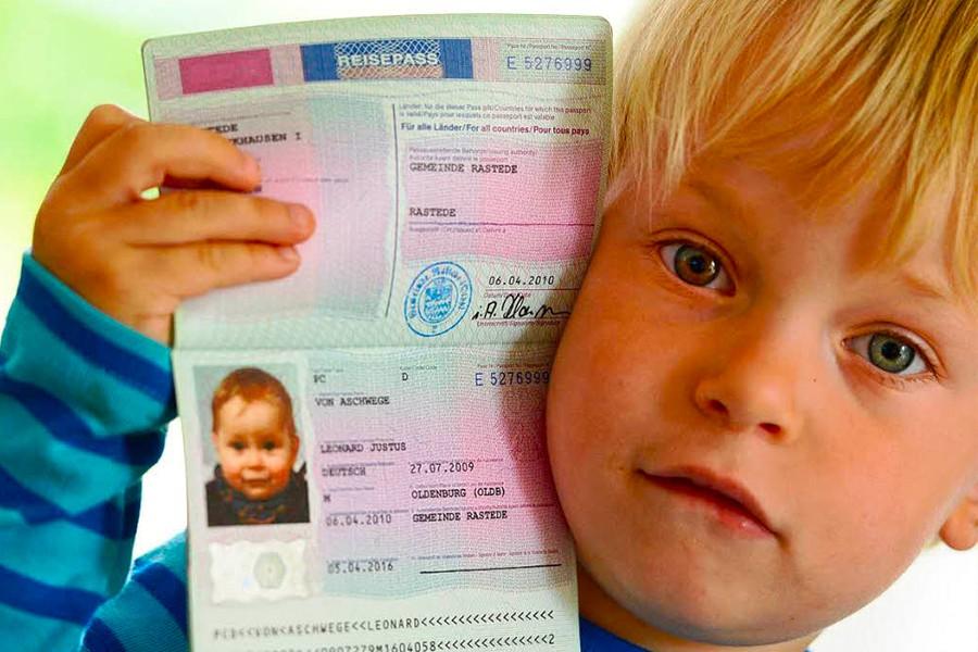 Как сделать визу ребенку без родителей