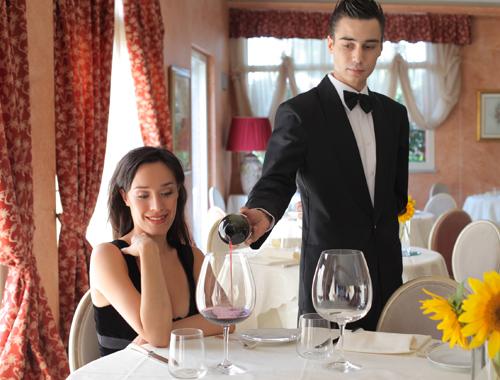 официант, работать официантом, официант в Польше, работать официантом в Польше, актуальная вакансия официант