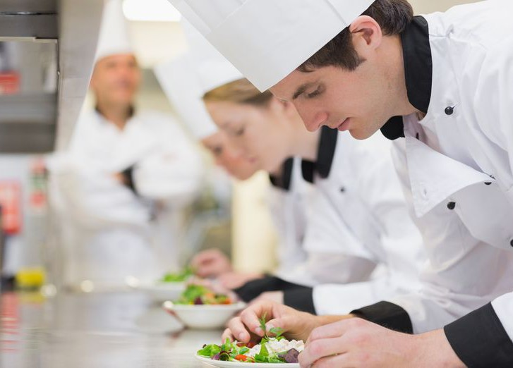 работа повар помощник повара в москве свежие вакансии