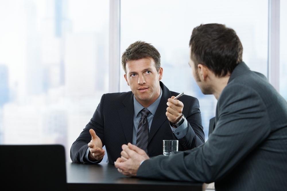 Разговор двоих людей картинки