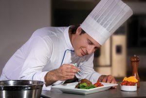 4646, повар, помощник шеф повара, работать на кухне помощником повара, актуальная вакансия повар, повар в Польшу